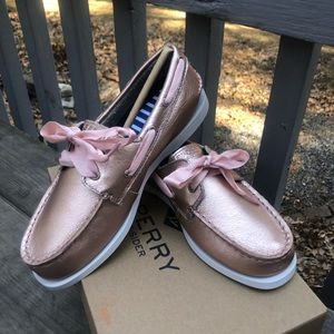 Sperry Girls Rose Gold Leather Topsiders